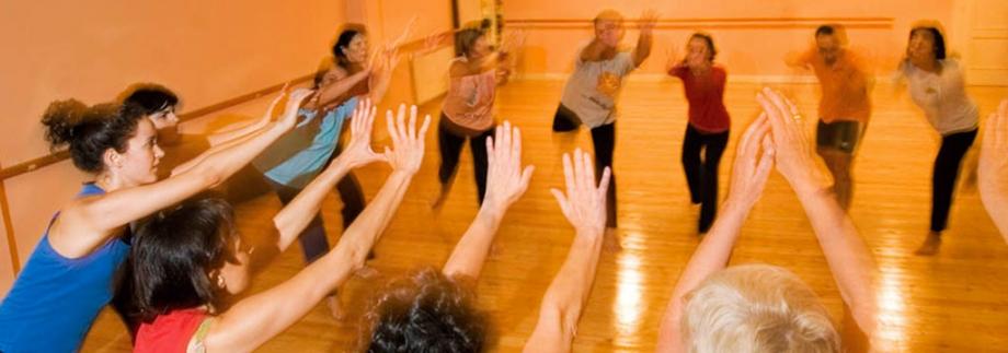 Centro Bajo: Clase de Movimiento Jueves 4 de Octubre
